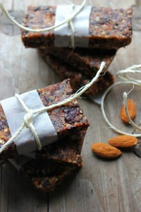 Almond, Date & Dried Cherry Raw Bars | happy hearted kitchen