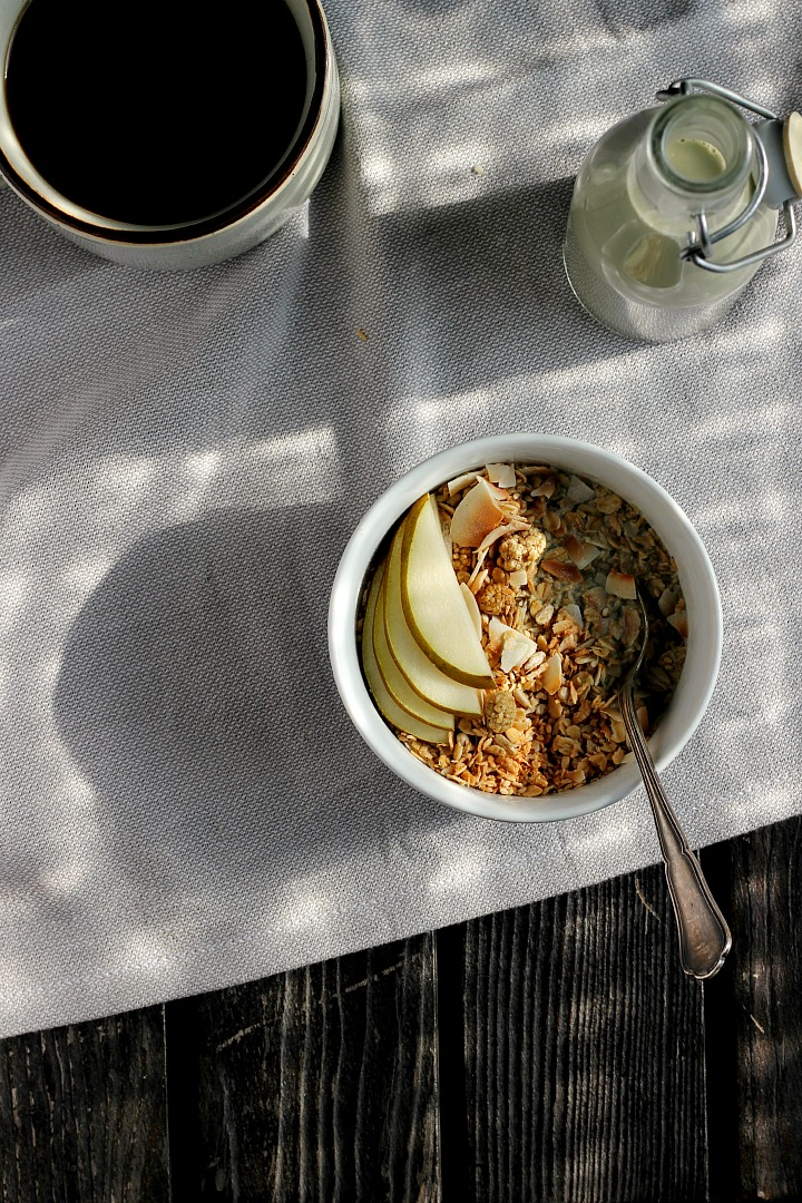 Coconut Cardamom Granola + Creamy Vanilla Pumpkin Seed Milk ⎮ happy hearted kitchen #vegan