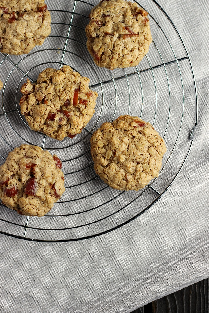 Maple + Date Oatmeal Cookies ⎮ happy hearted kitchen