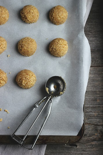 Maple, Cardamom + Vanilla Hazelnut Macaroons (Vegan + GF) ⎮ happy hearted kitchen