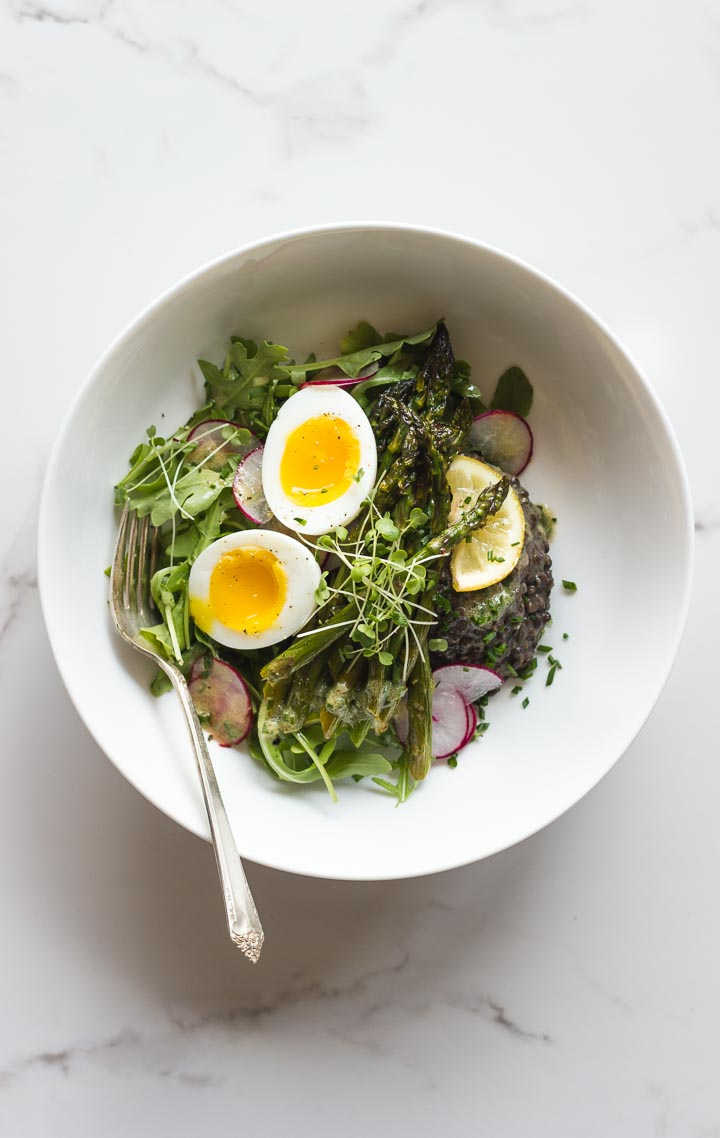 How to cook lentils (really good ones) + a simple bowl with roasted asparagus, radishes and a 7 minute egg. Fuss free spring cooking. Gluten Free.